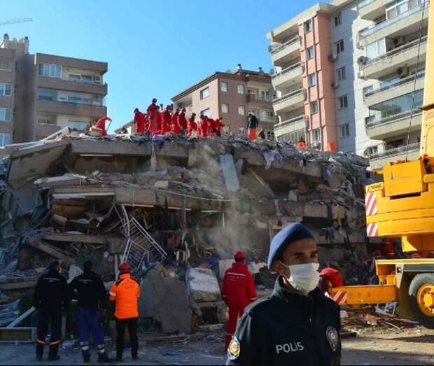 В Турции после землетрясения задержали 9 человек