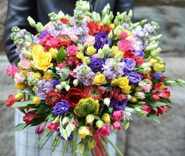 Привычный нам букет цветов./Фото: rose-market.host.webasyst.com