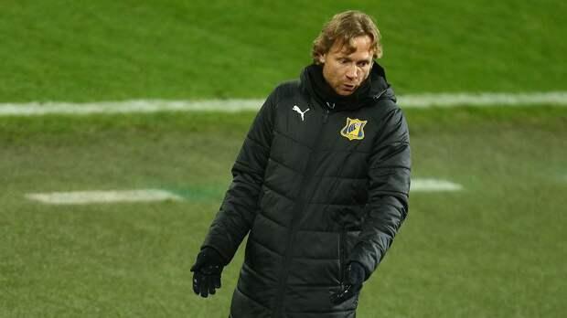 Карпин возмутился высокими зарплатами российских футболистов: «Какой бред мы творим!»
