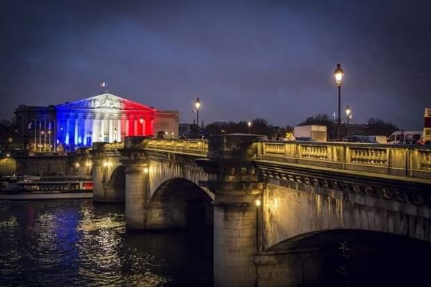 Политолог опроверг готовность Франции пойти наперекор НАТО ради России