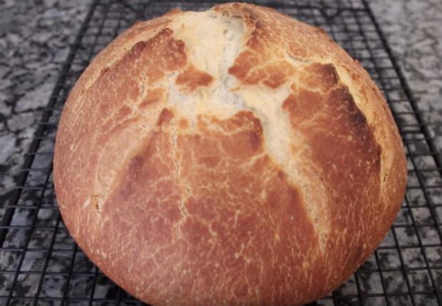 Ставим хлеб на кефире: полезная выпечка без лишней возни