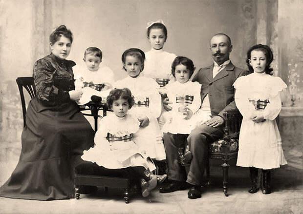 Многодетная семья начало XX века