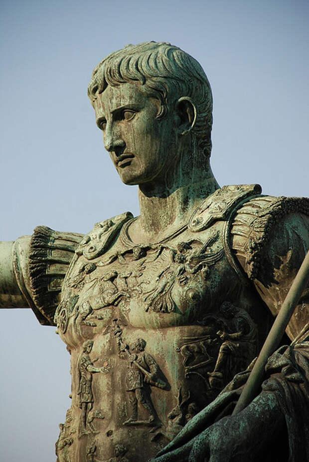 Статуя Августа в Риме (Деталь). Фото Yellow.Cat/Flickr.