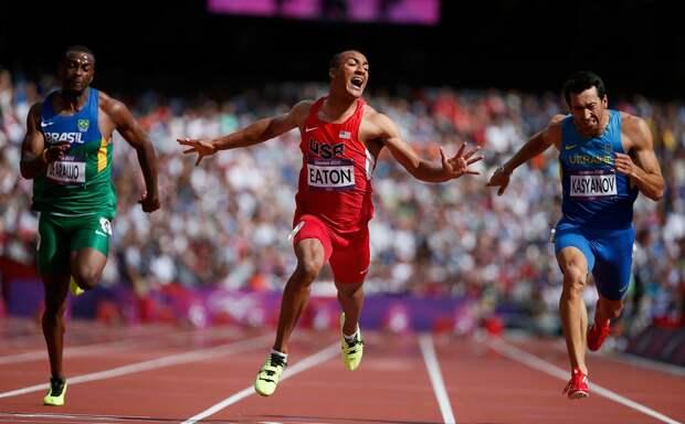Забег в рамках десятиборья, Олимпиада в Лондоне 2012, в центре - Итон