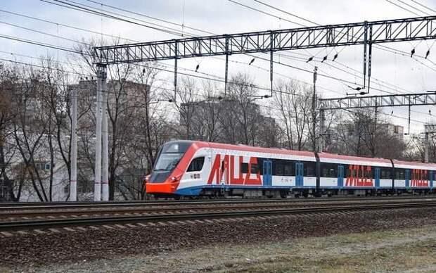 Не все поезда будут останавливаться на станции Марк по выходным в апреле
