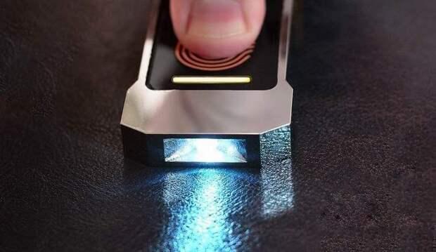 Изобретен долговечный фонарик без аккумулятора