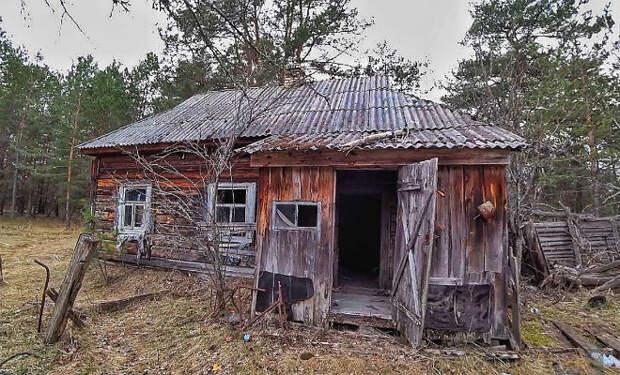 Тайник сталкеров в Чернобыле: находка в заброшенном доме