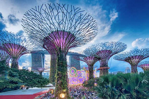 Новогодние Сады у залива в Сингапуре