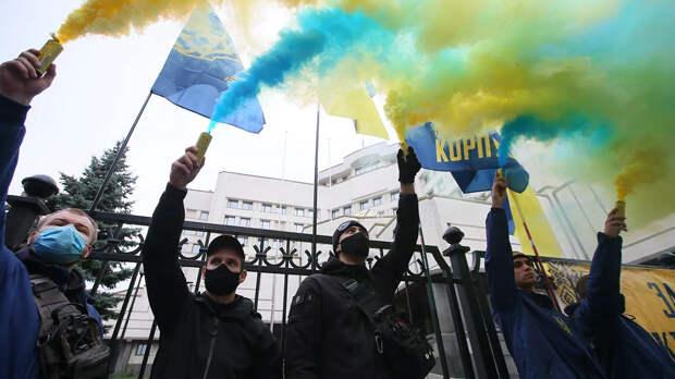 """""""Одна среди русского моря"""". Что Киев украинизирует в 2021-м"""