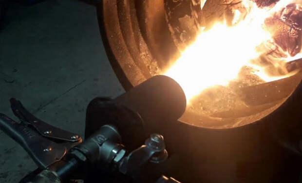 Болт и труба: делаем мощную горелку