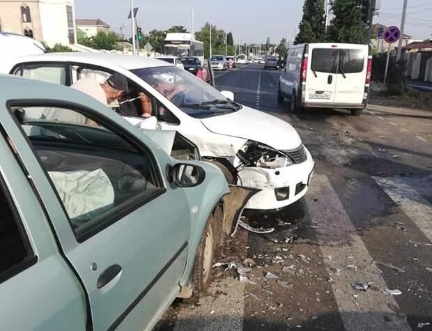 В Саках пострадали два человека в ДТП