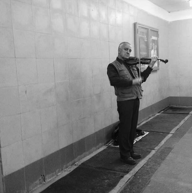 Вуайерист в подземке: каким видит московское метро иностранец