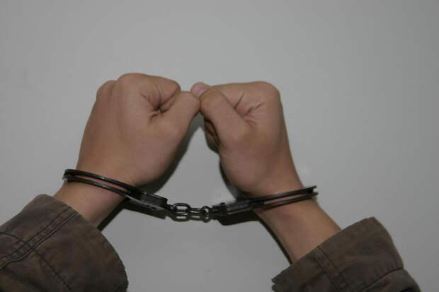 ФСБ задержала в Махачкале готовивших нападения на силовиков подростков