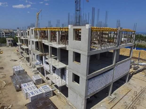 Кто в Севастополе строит дома из своих материалов? (фото)