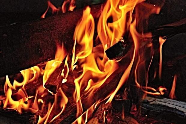 Пожар, Огонь, Дрова, Вуд, Сжигание, Жара, Теплый