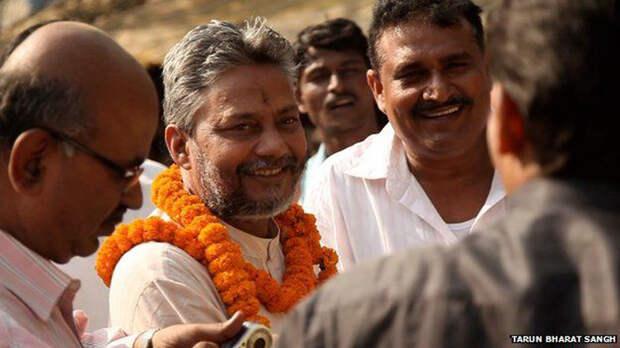 Сейчас Раджендра Сингх уважаемый в Индии человек.