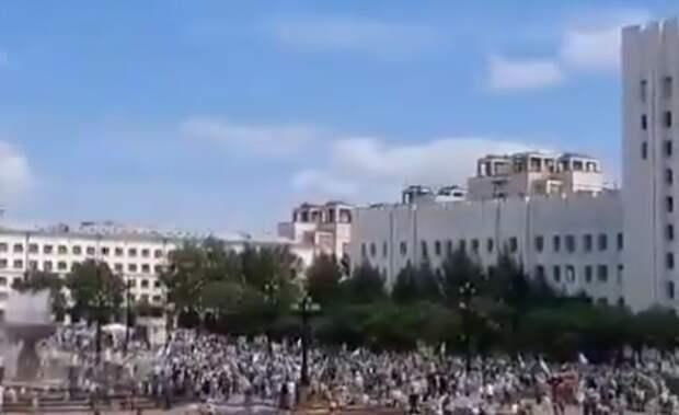 В Хабаровске жители вышли на вторую за день акцию в поддержку Фургала
