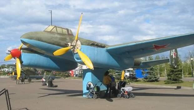 И таким был Пе-2 в Парке Победы за 15 лет