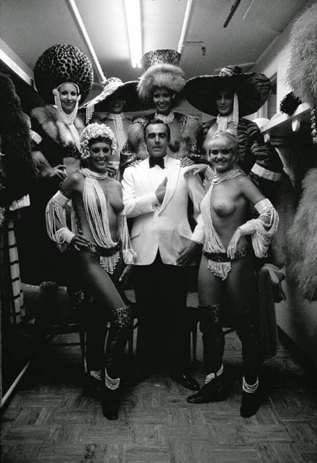 Шон Коннери на съёмках фильма о Джеймсе Бонде, 1972  интересно, история, фото