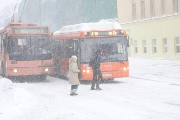 Детей без билетов запретили высаживать из общественного транспорта на законодательном уровне
