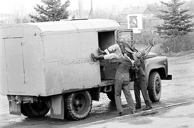 «Днепродзержинская революция»: как солдаты подавили восстание советских граждан