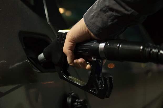 Новая формула расчёта цены на бензин заработала в России