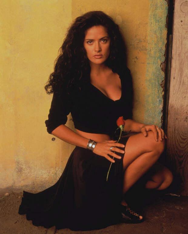 Сальма Хайек (Salma Hayek) и Антонио Бандерас (Antonio Banderas) в фотосессии для фильма «Отчаянный» (Desperado) (1995), фотография 5