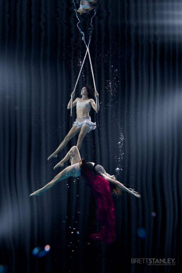 Восхитительные подводные фотографии артистов цирка