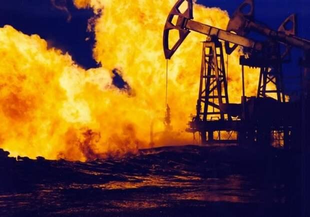 Нефть горит