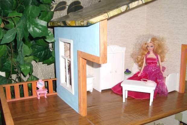 Кукольный домик для внучки.