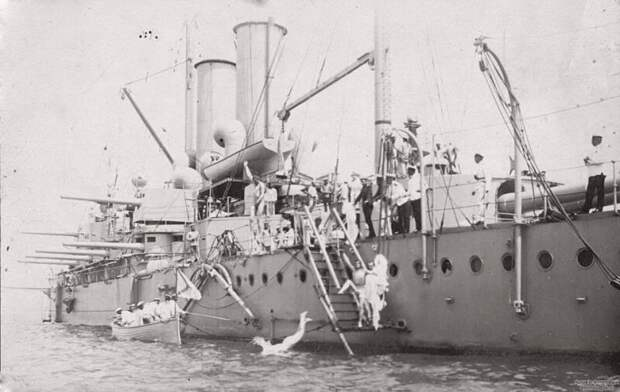 Купание команды русского линкора «Три Иерарха». 1910 история, ретро, фото, это интересно