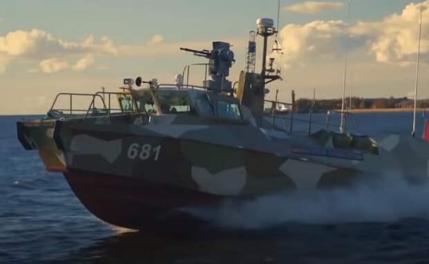 Россия начала военные учения в Крыму: Сергей Шойгу и сорок боевых кораблей