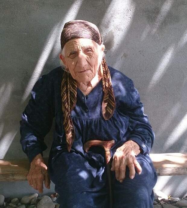 Аймани Далгалаевой из села Новые Атаги Чеченской республики 112 лет.