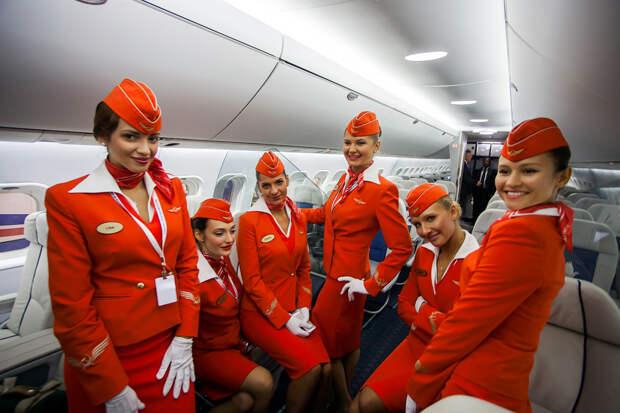 Стюардессы и стюарды отмечают 12 июля свой праздник, Всемирный день бортпроводника гражданской авиации