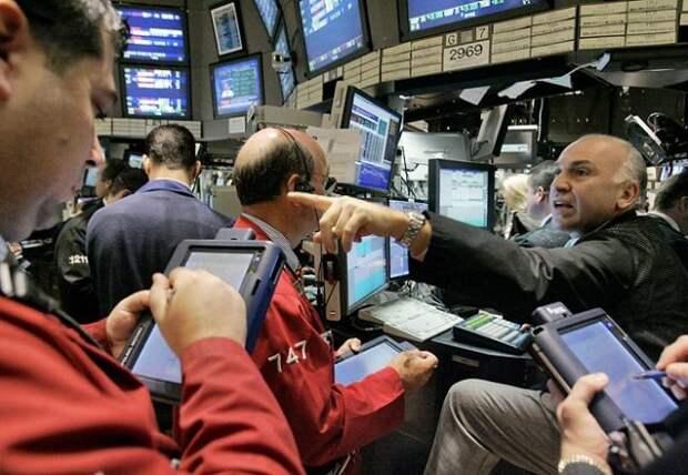 Рынок нефти растет на новостях о падении запасов в США