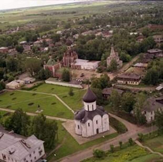 Переславль-Залесский вошел в топ-10 городов, популярных для летних путешествий семей с детьми