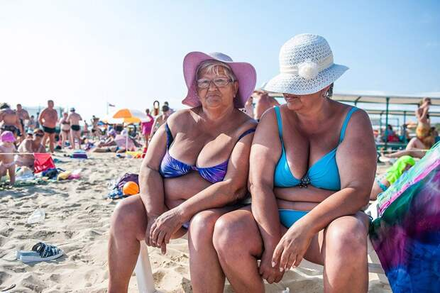 Почему женщины выходят на пенсию раньше, а живут дольше