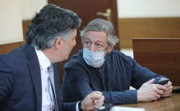 Михаил Ефремов в суде — чисто либеральное самоубийство