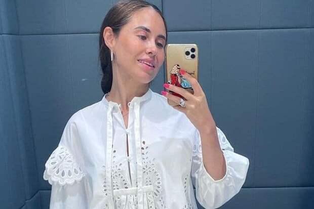 Звезду «Уральских пельменей» Исакжанову осудили за белое платье