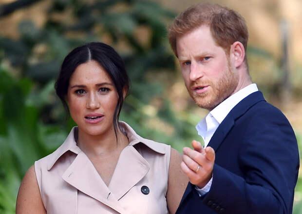 Принц Гарри и Меган Маркл лишены королевских титулов и должны вернуть многомиллионный долг в казну