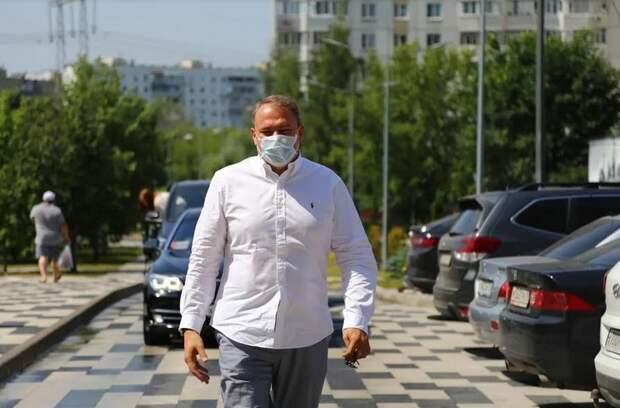 Петра Толстого попросили помочь с переносом автобусной остановки в Выхино-Жулебино фото: Александр Чикин