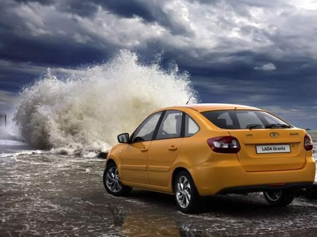 Lada Granta вновь стала самой популярной моделью в России