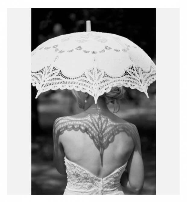 Фото со свадебным зонтиком