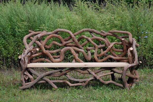 Скамейки из корней и веток: простые и неординарные решения