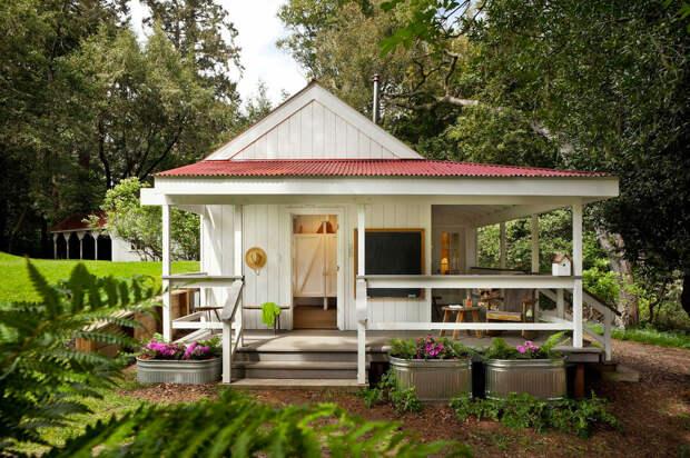 Проект милого деревенского домика площадью всего 36 метров