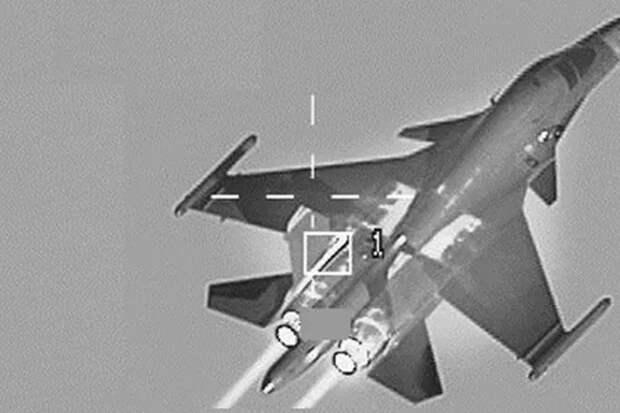 Как выглядит Су-34 вполете черезтепловизор F16