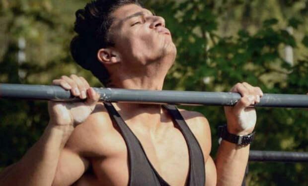 10 ошибок которые мешают мышцам при подтягивании. Как не нужно подтягиваться