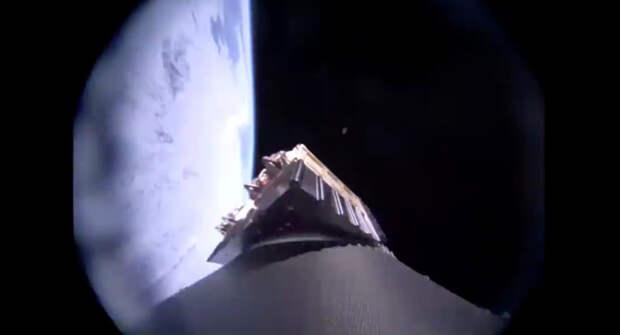 Спутники на орбиту стартуют с обычного самолета
