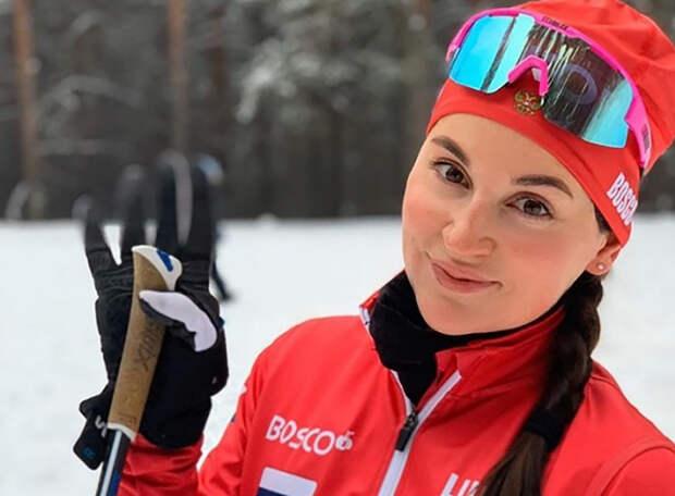 Юлия Ступак завоевала бронзу пасьюта в последней гонке сезона: не совладала на финишном подъеме с соперницами, но одолела лидера Кубка мира
