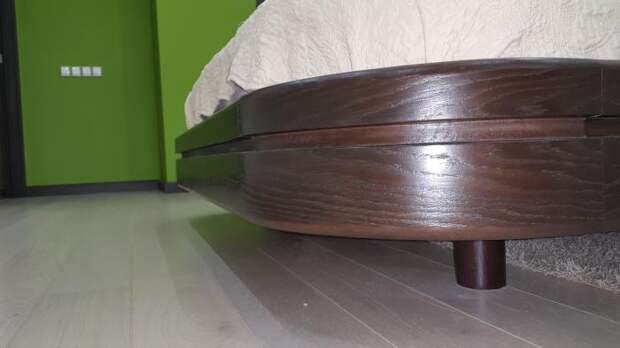 Кровать со скругленными углами